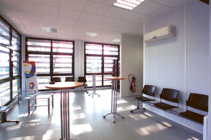 Intérieur des bureaux modulaires de TOTAL PETROCHEMICAL
