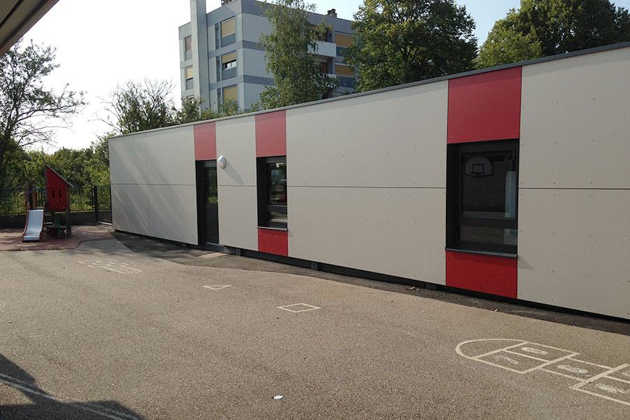 Vue extérieure d'une réalisation modulaire pour un bâtiment périscolaire